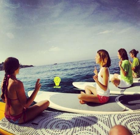 meditació del buddha al aigua